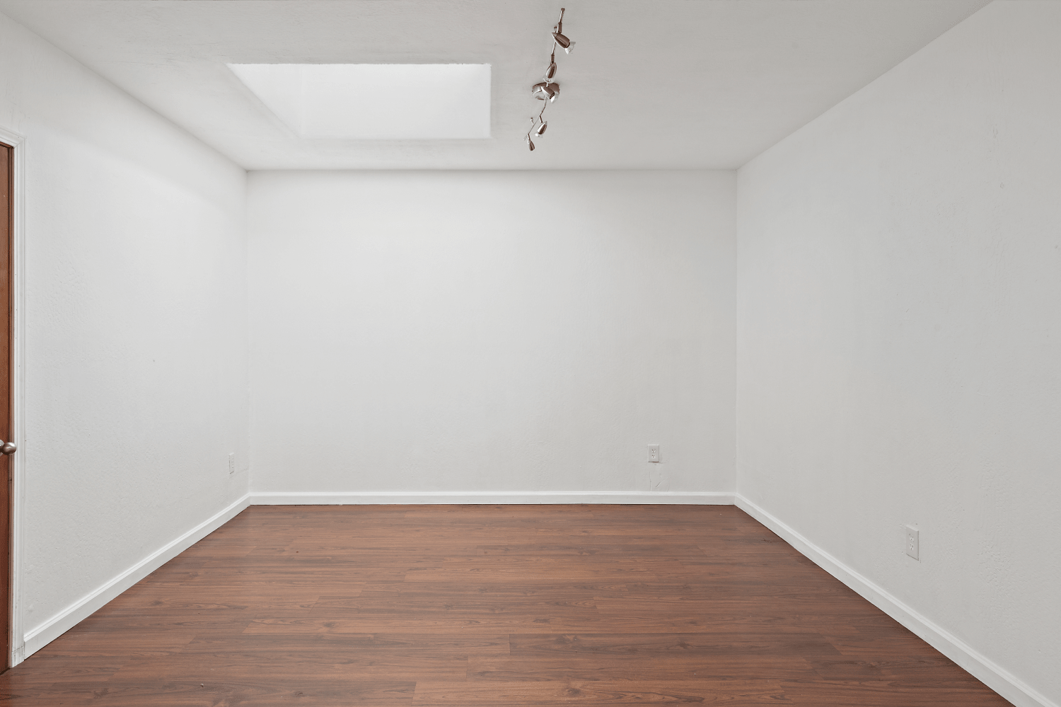 Virtual-staging-example-before
