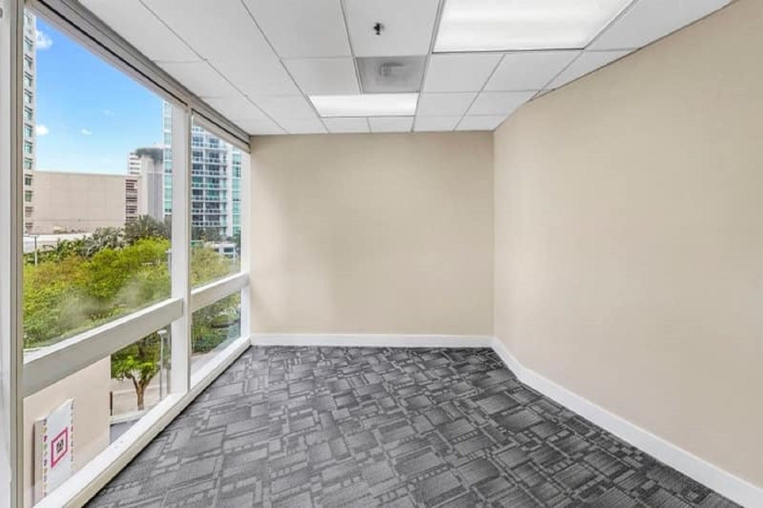 Before-Commercial-Virtual-Staging